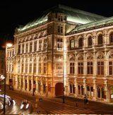 Eiserner Vorhang in der Oper wird von Joan Jonas gestaltet