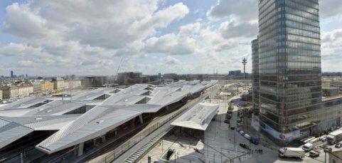 Der neue Hauptbahnhof wird nach der Pannen-Serie eröffnet