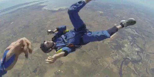 Fallschirmspringer hat in 4.000 Meter Höhe epileptischen Anfall