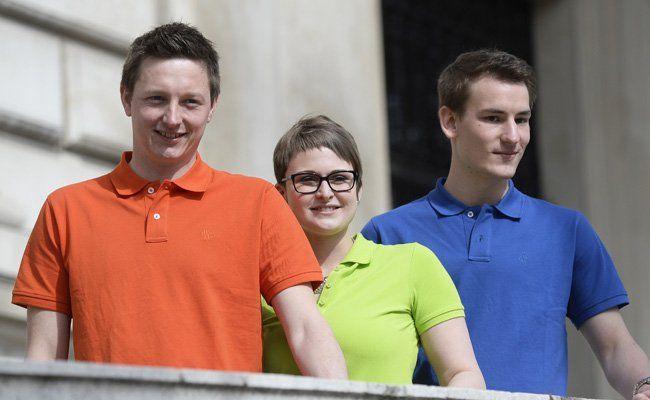 AktionsGemeinschafts-Spitzenkandidaten für die ÖH-Wahlen Jens Eipper, Lisa Schwenn und Peter Wiltsche