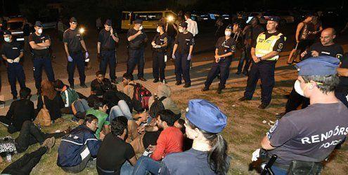 Auto-Konvoi Wien-Ungarn soll keine Flüchtlinge mitnehmen