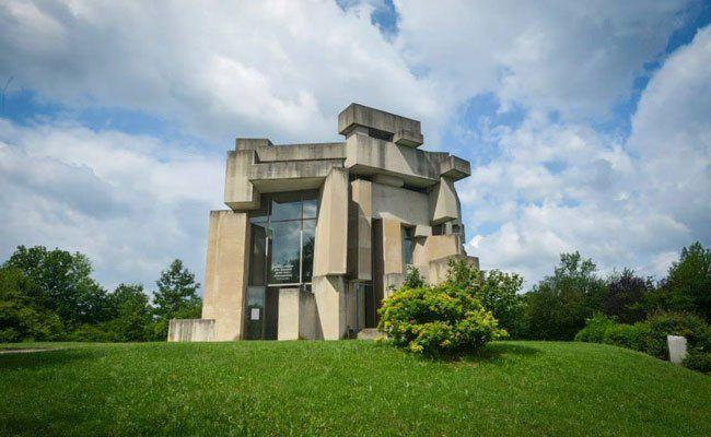 Die Wotrubakirche gehört zu den berühmtesten Sehenswürdigkeiten in Liesing.