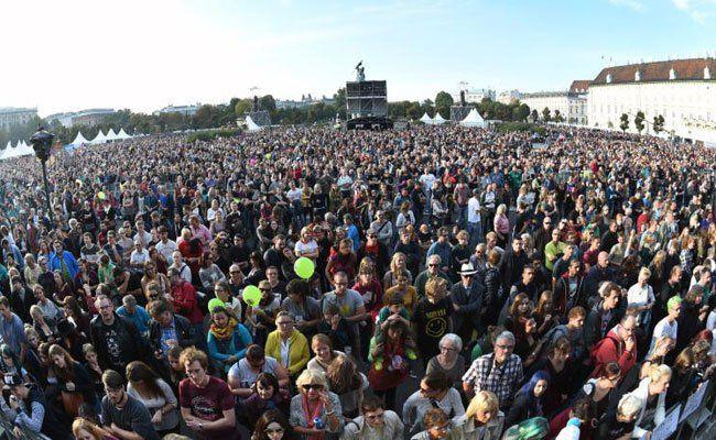Voices for Refugees am Heldenplatz: 150.000 hießen Flüchtlinge willkommen