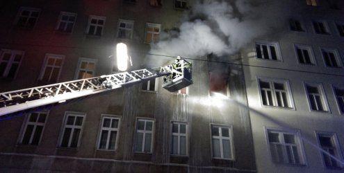 Wohnungsbrand in Landstraße: Feuerwehr rettete 30 Menschen