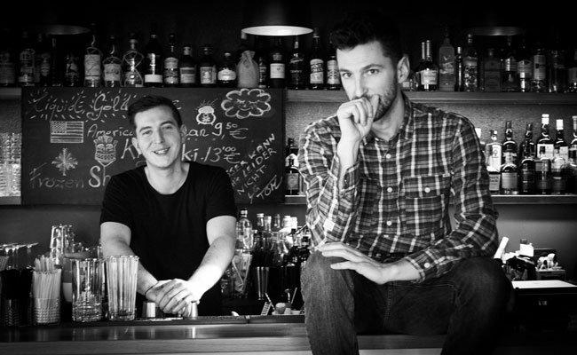 Matthias Habringer und Tom Legat führen die außergewöhnliche Cocktailbar in Ottakring.