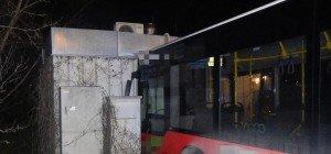 Unfall mit Bus der Linie 76A in Simmering: Fahrgäste verletzt