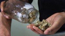 Cannabis (Wert: 50.000 €) auch an Tochter verkauft