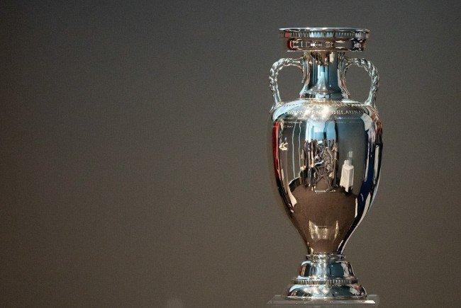 Der Siegerpokal für den Europameister war Mitte April in Wien zu Gast.