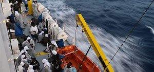 14.000 Migranten gerettet, 45 Leichen geborgen