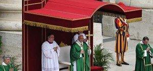 Papst fordert von Geistlichen Erreichbarkeit rund um die Uhr