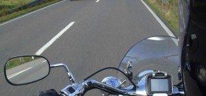 Nach Kollision mit PKW: Motorradfahrer verstorben