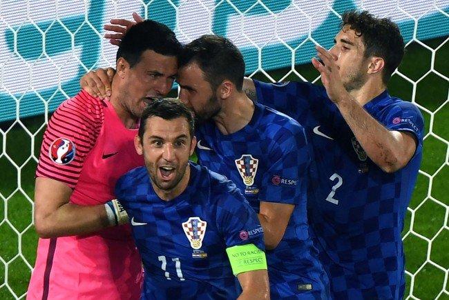 Kroatien feierte in der Gruppe D einen 2:1-Sieg über Spanien und spielt sich an die Tabellenspitze.