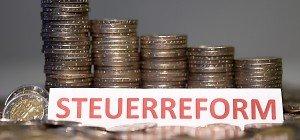 Rückläufige Einnahmen wegen Steuerreform im ersten Halbjahr