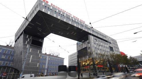 Messerattacke am Westbahnhof: Opfer weiter auf Intensivstation