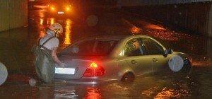 30 Feuerwehren in NÖ nach schweren Unwettern im Großeinsatz