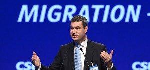 Bayern-Minister will Hunderttausende Asylwerber abschieben