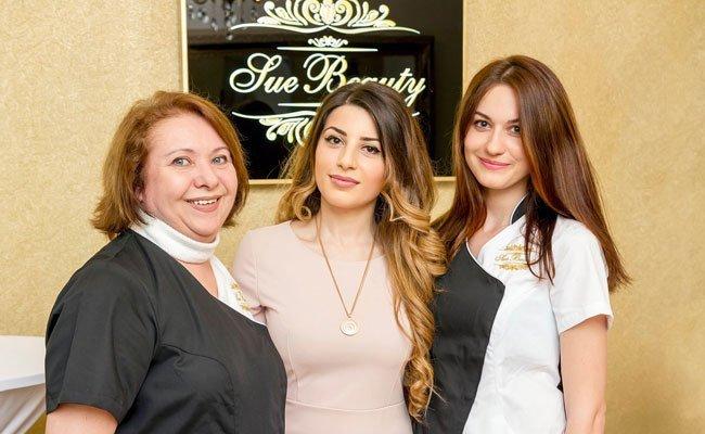 Expertinnen für Hautpflege: Syuzanna Schenk (Mitte) und ihr Team.