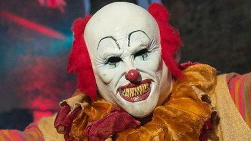Horror-Clown bedrohte Busfahrer