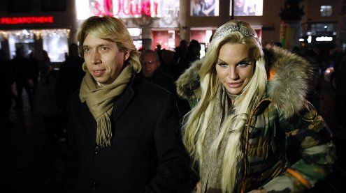 Gina-Lisa Lohfink, Florian Wess und Cathy Lugner am Opernball