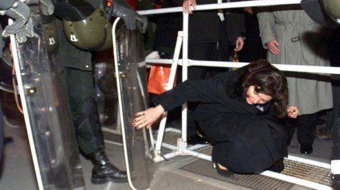 Sperren wegen Opernball-Demo