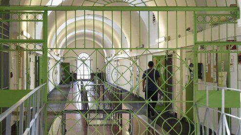 Amtsmissbrauch: Ermittlungen gegen Gefängnispsychologen