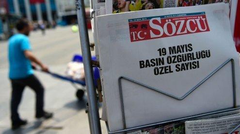 Türkei: Zeitung mit leeren Seiten