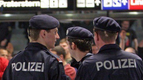 Dealer attackiert Polizisten am Praterstern – Pfefferspray-Einsatz