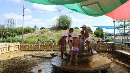 Abkühlung und Fun für heiße Tage: Wasserspielplätze in Wien