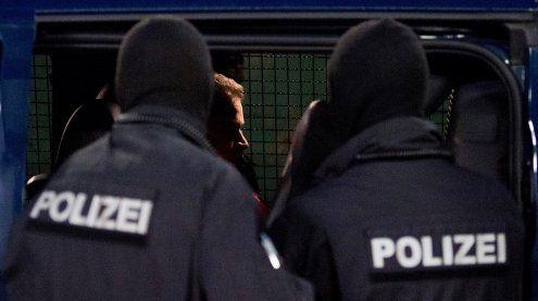 Abschiebung: Kritik an der Polizei