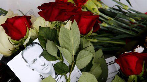 Notruf nach Chester Benningtons Selbstmord wurde veröffentlicht