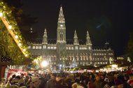 Wiener Weihnachtstraum am Rathausplatz ab heute