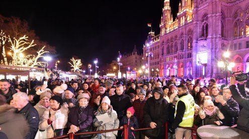 Das war die Eröffnung des Wiener Eistraums vor dem Rathaus