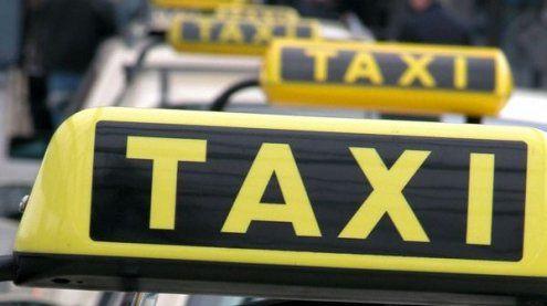 Aggressiver Taxi-Fahrgast wollte Fuhrlohn nicht zahlen: Festnahme