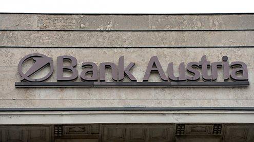 Acht von zwölf Banken haben Spesen laut AK angehoben