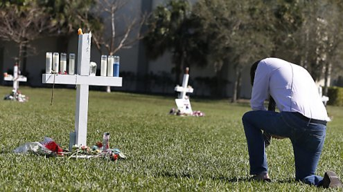 Trump trifft sich nach Massaker in Florida mit Schülern und Lehrern