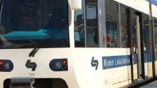 Badner Bahn am Montag in Wien-Meidling entgleist