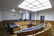 Anwalt soll Anlegerbetrogen haben: Prozess