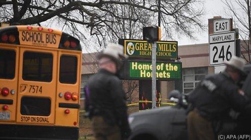 Schüler an Schule angeschossen