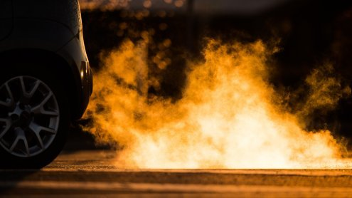 Auto statt Bahn: Kritik an umwelt-feindlichem Denken der Koalition
