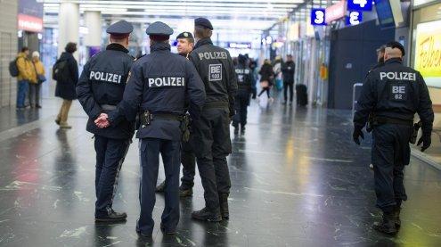 Kontrollschwerpunkt der Polizei am Wiener Praterstern am Freitag
