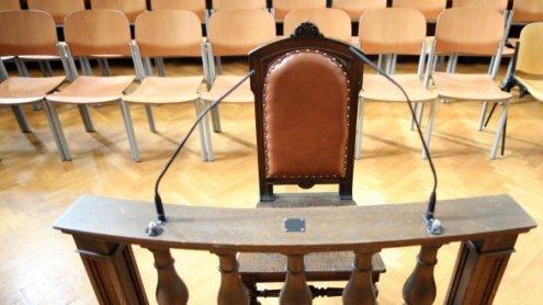 """Zweiter Justizwachebeamter in Causa """"Horror-Hans"""" vor Gericht"""