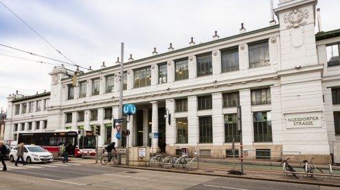 Bahnsteig gesperrt: Die Station Nußdorfer Straße wird renoviert