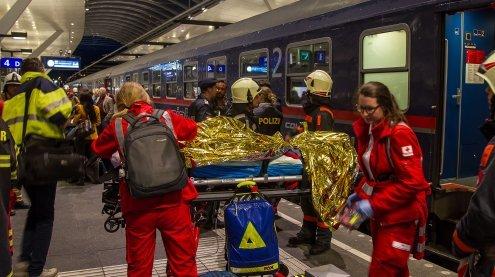 Zugunfall am Salzburger Hbhf mit Nightjet nach Wien: 54 Verletzte
