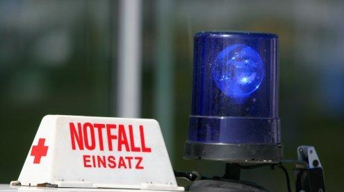 Arbeitsunfall auf Baustelle in Wien: Holzbalken traf Bauarbeiter