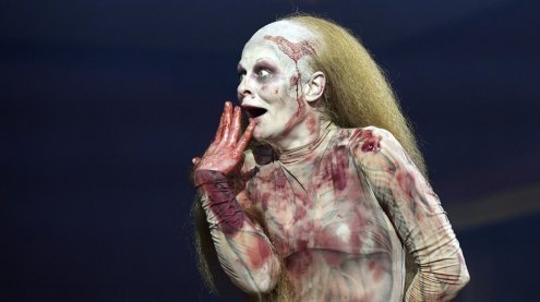 "Wiener Burgtheater: Die blutigen Zombies wüten nun in ""MacBeth"""