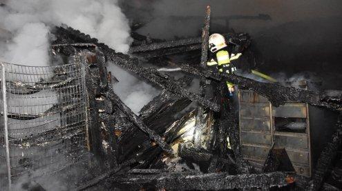 Ehemaliges Gasthaus am Wiener Zentralfriedhof niedergebrannt