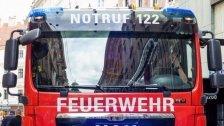 Ölteppich auf der Donau: Feuerwehr rückt aus