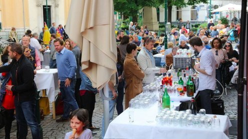Open Air Wine Tasting in Wien