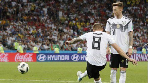 Zittern: Deutschland gewinnt in letzter Sekunde gegen Schweden